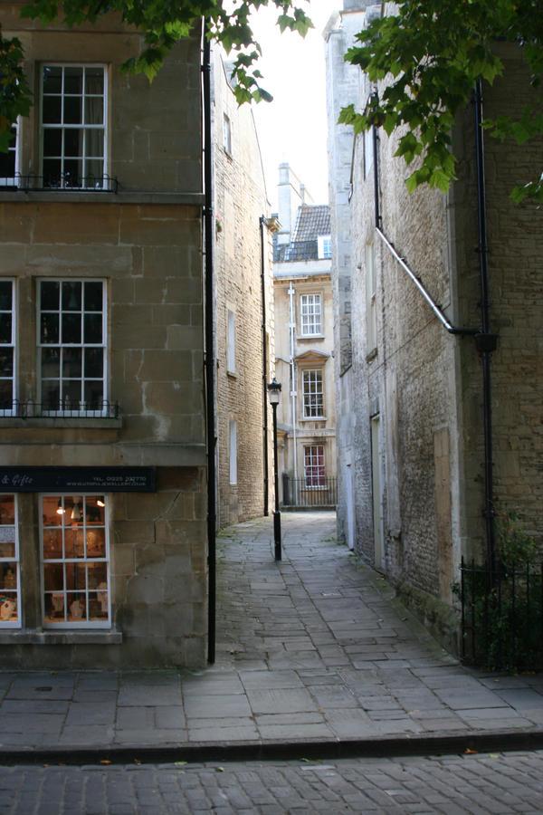 Regency Refs. - Alley by morbidmongoose
