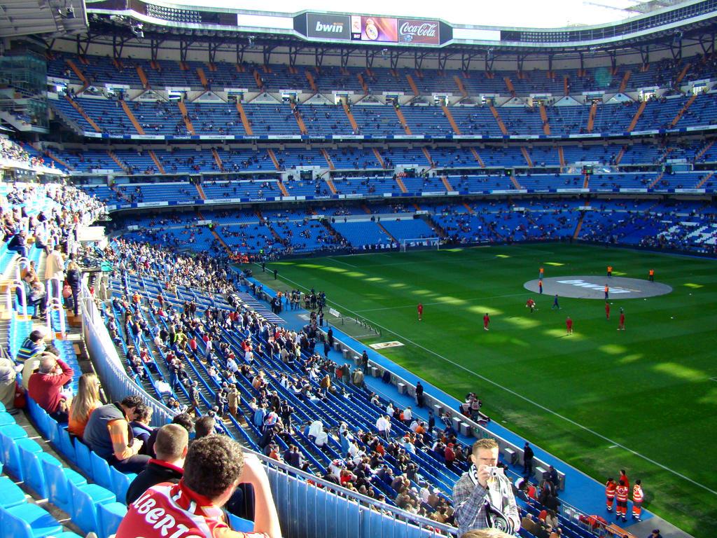 Estadio santiago bernabeu by szczupi on deviantart for Puerta 6 santiago bernabeu