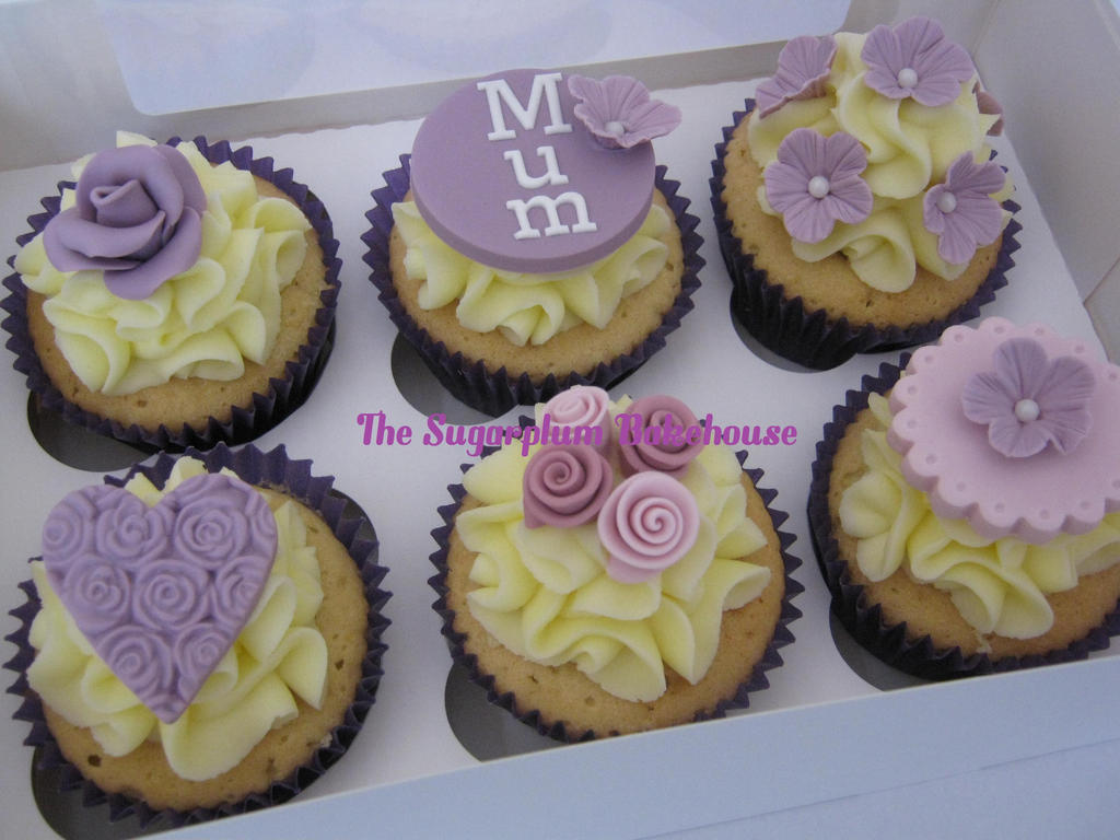 Pretty Lemon Mum Cupcakes by SugarplumB