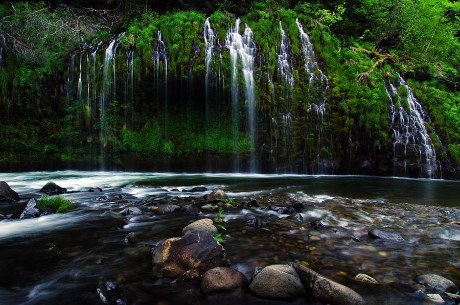 Mossbrae Falls by greglief