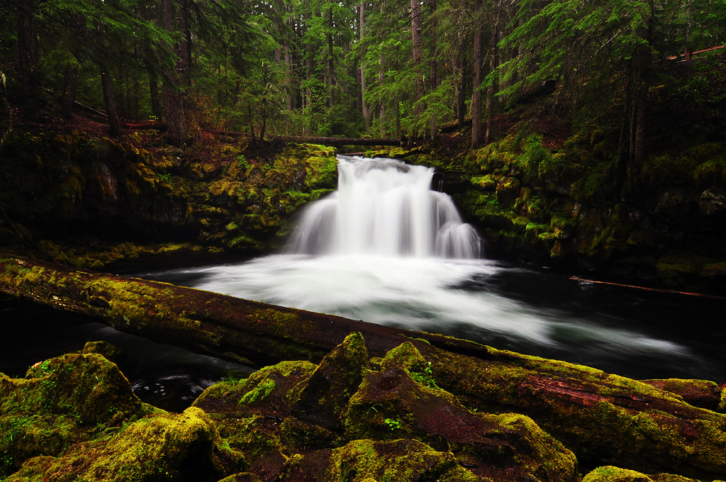 Whitehorse Falls by greglief