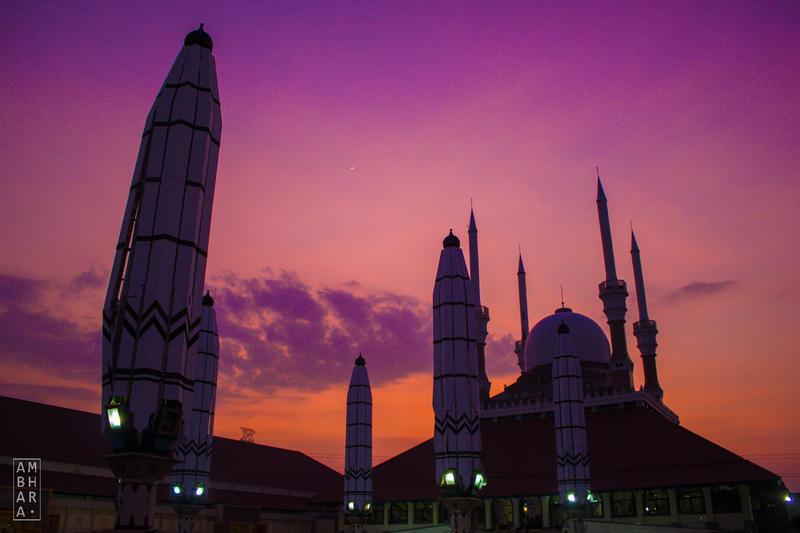 Twilight at Masjid Agung Jawa Tengah by itrenorez