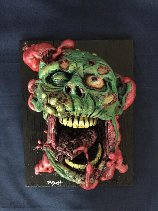 Greenzomb head shot by UglyBabyEater