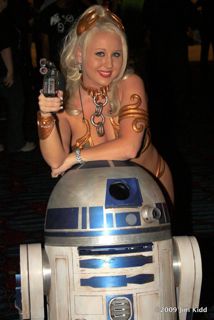 DC2009 - Leia and R2D2 by SchroTN