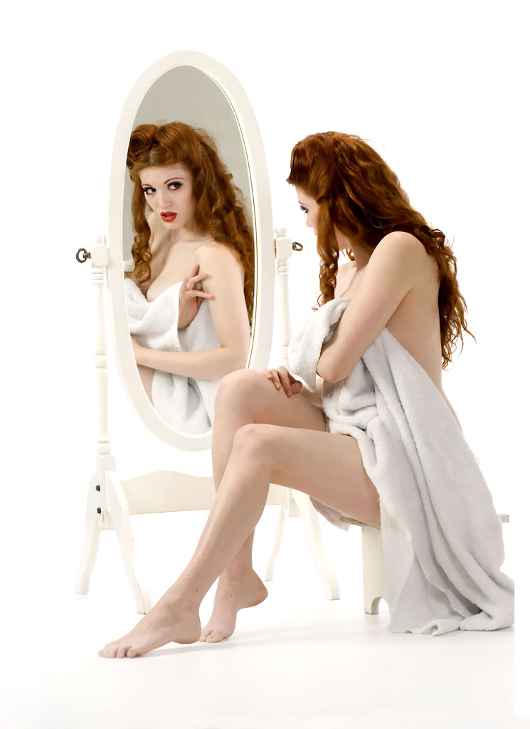 U ogledalu Modeling__Robert_Wood_photo_by_SchizophrenicKittie