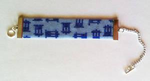 Doctor Who Tardis Beaded Bracelet by kitsunesama7