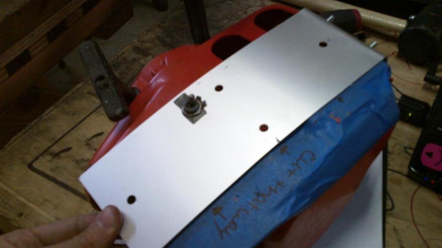 evil_dead_chainsaw_replica_by_deadheadhorror-d3hmm5w.jpg