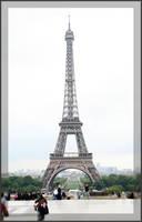 Eiffel Tower by aquifer