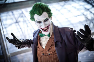 Joker Cosplay Laugh by Videros