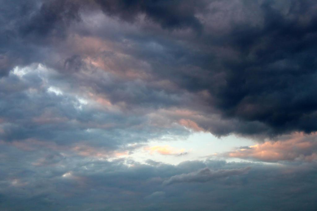 Sunset Sept 2012 04 by Thy-Darkest-Hour
