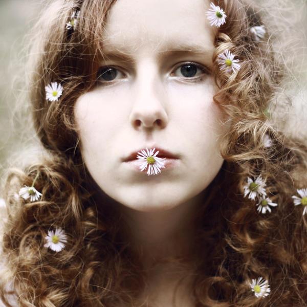 daisy by LayaliKhan