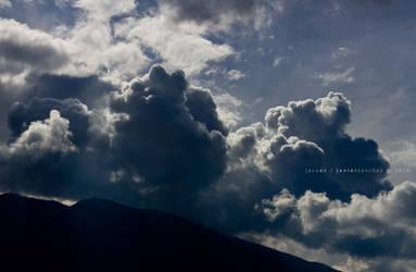 nubes negras
