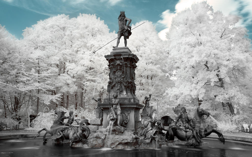 Nuernberg Part III - Neptunbrunnen by myINQI