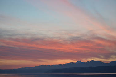 Olympic Mountains and Sunset (1/1/19) by VoyagerHawk87
