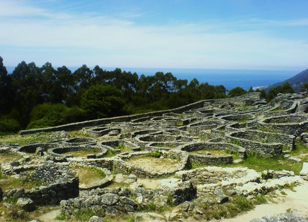 Celtic ruins in Galicia by ugGOchi on DeviantArt
