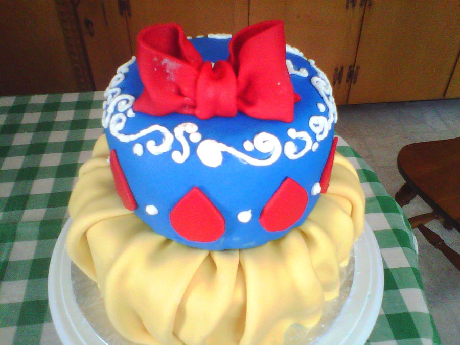 snow white cake images. Snow White cake top view by