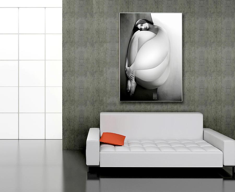 Lady B on wall by bymano