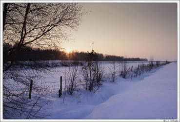 Cold sunrise... by Koekiemonster