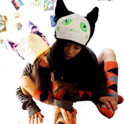 2 kitty hats