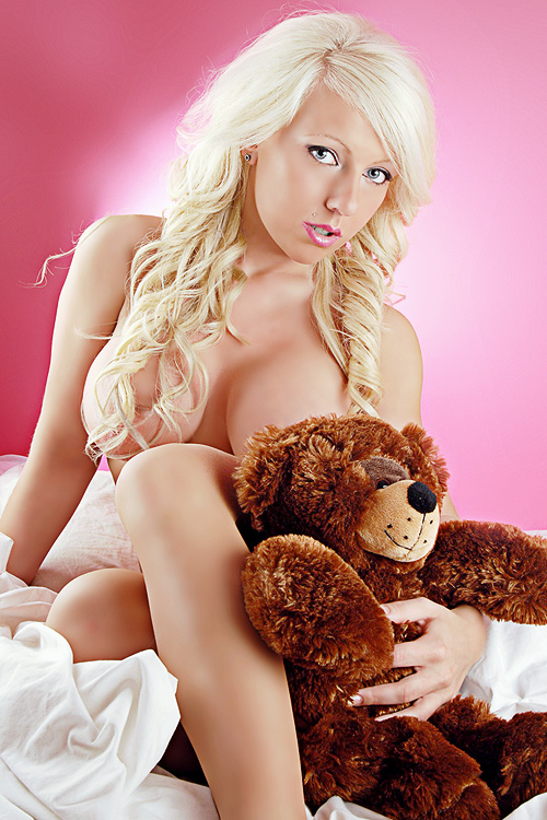 Good Teddy - Em Whid by mobiusco-photo