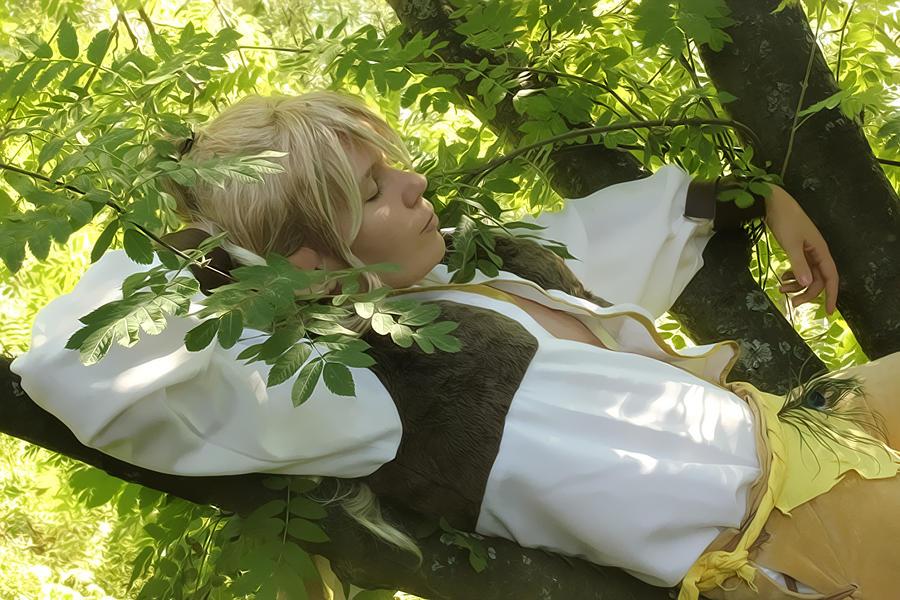 Nap on a branch by nezukuro