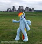 Rainbow DAshy - At Stonehenge