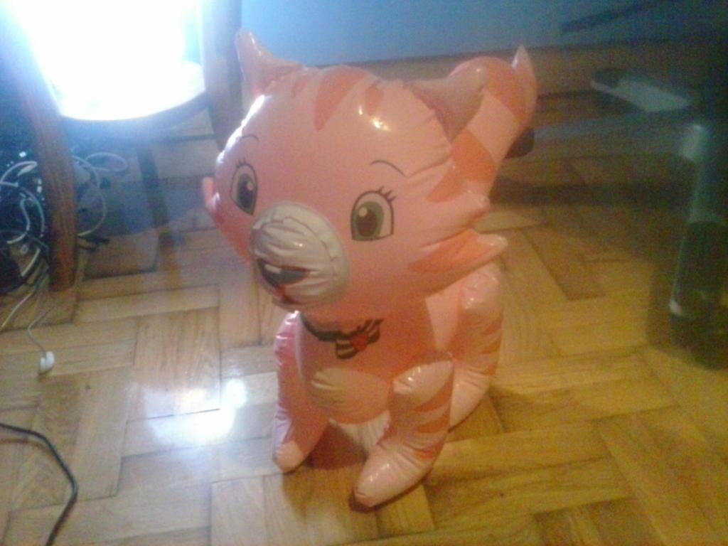 My Inflatable Custard Cat Toy 46 by PoKeMoNosterfanZG