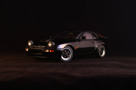 AUTOart - Porsche 924 Carrera GT 1:18