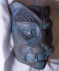 Aged Bronze painted Leopard Decoration (side)