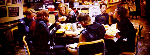 The Avengers eating Shawarma (Gif) by Marianagmt