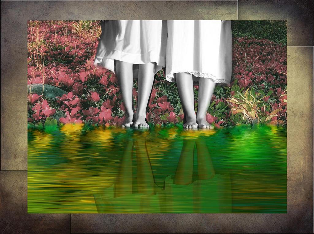 Little Ghost Feet by 3punkins