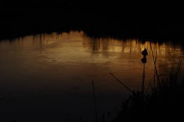 Water in the Dusk by Kurai-no-Manazashi