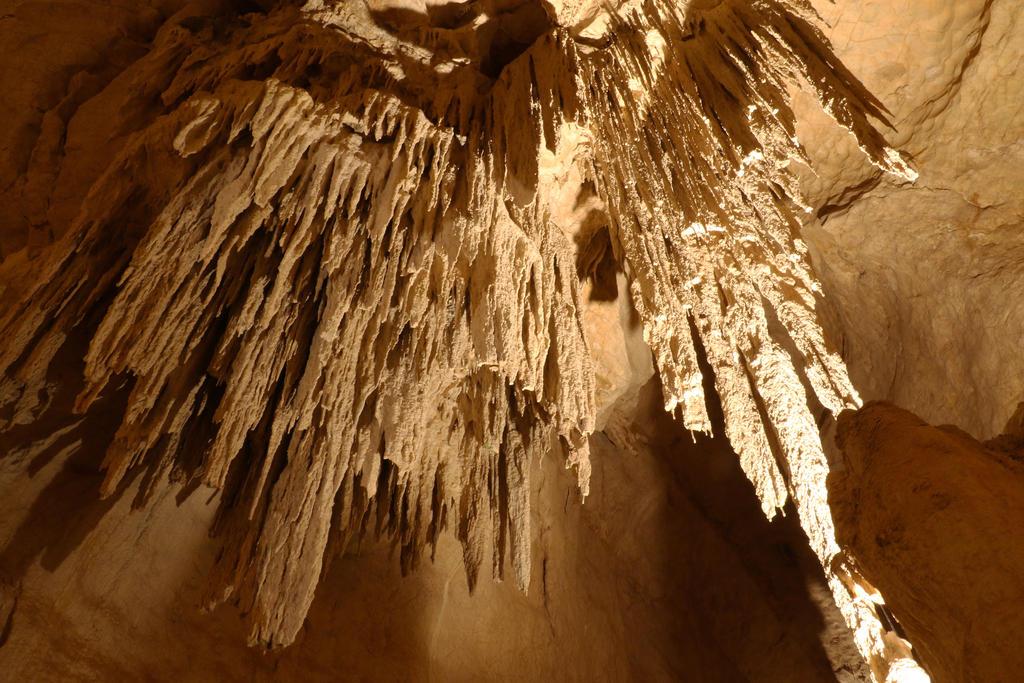 Limestone Caverns by cobaltsennheiser