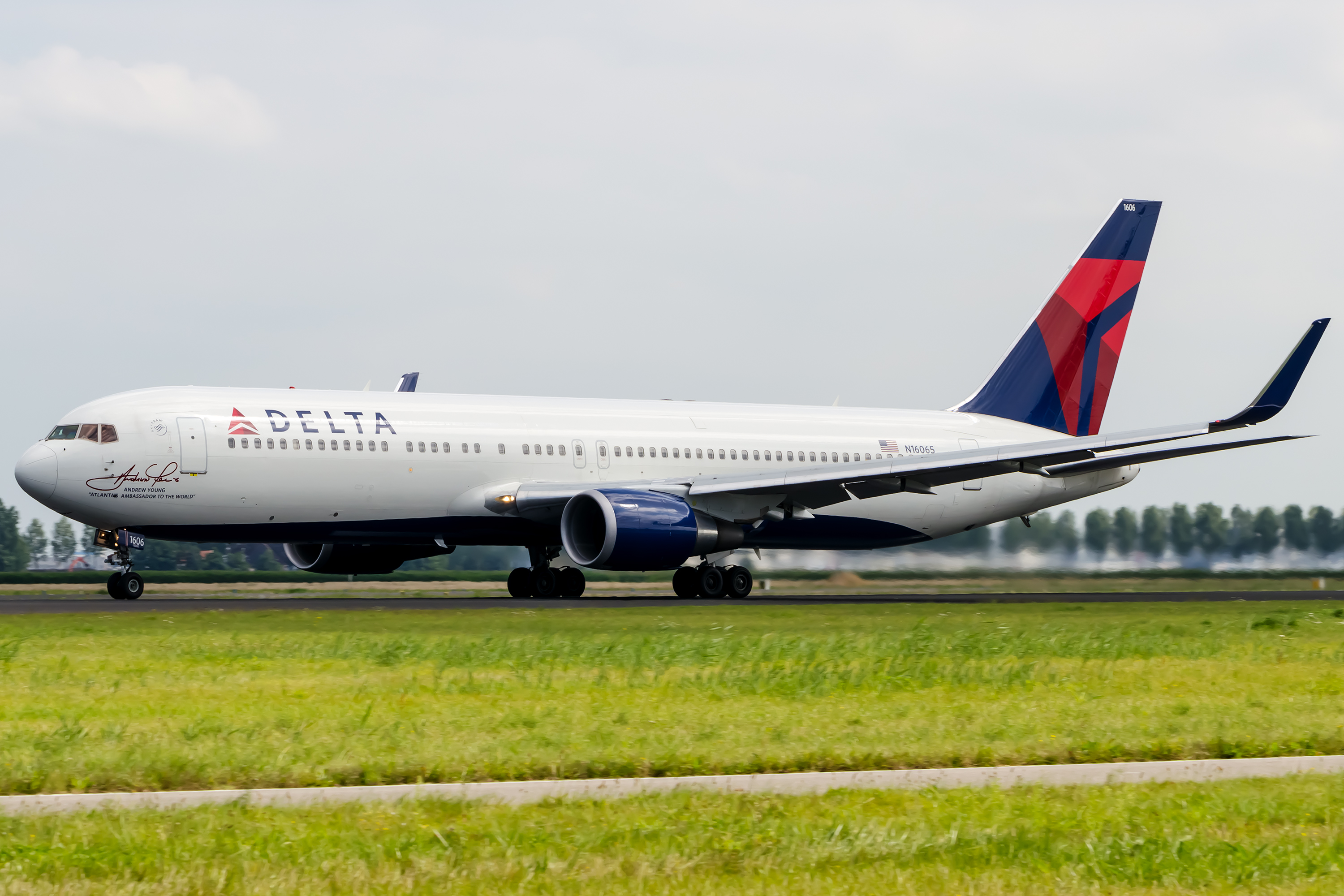 online chat delta airlines