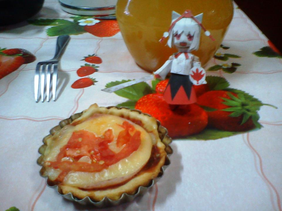 momiji inubashiri mini pizza papercraft by santanaknifeloid