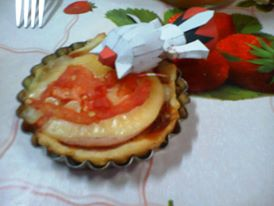 momiji inubashiri eat mini pizza papercraft by santanaknifeloid