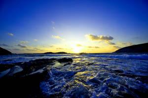 Waves keeps me pushing away.. by mohsinanwar