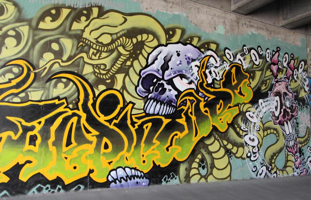 Streetart in Wuerzburg V by dreieinhalb