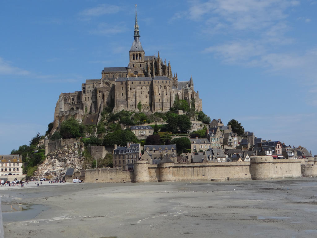 le Mont Saint-Michel by Korventem