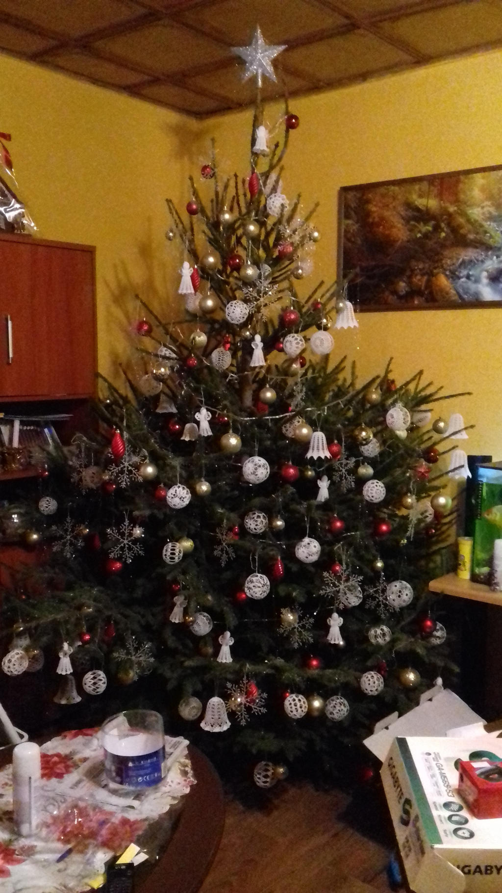 Christmas tree I by miawell1990