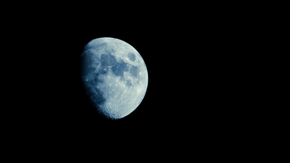 moon by Pertti