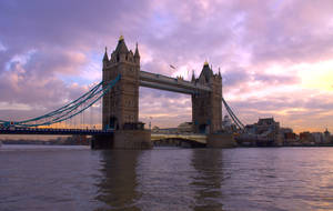 London Twilight by foreverfrodo