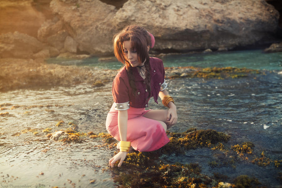 Aerith Gainsborough - Feeling the Planet by Sora-Phantomhive