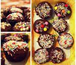 chocolate muffins with cream