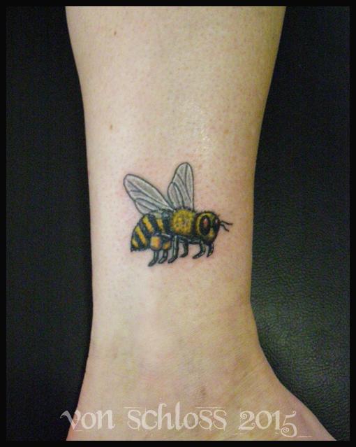 Custom Bee Tattoo by vonSchloss