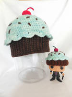 cupcake hat by MasterPlanner