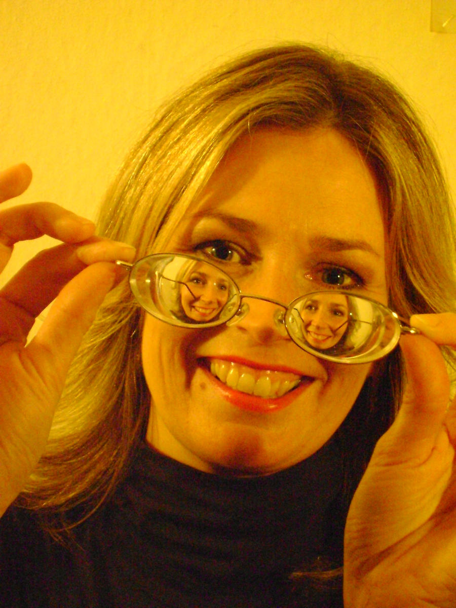 Sandra Minus Myodisc Glasses