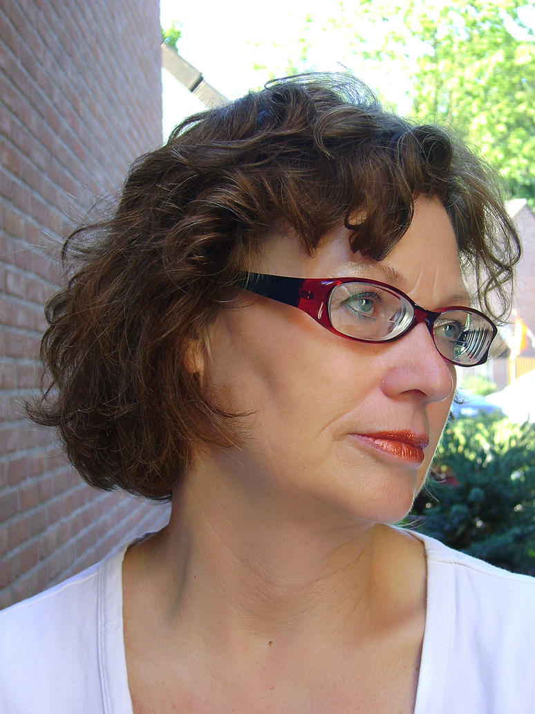 Zenni Optical Glasses Too Big : Exhibition portrait in Zenni glasses by Lentilux on deviantART