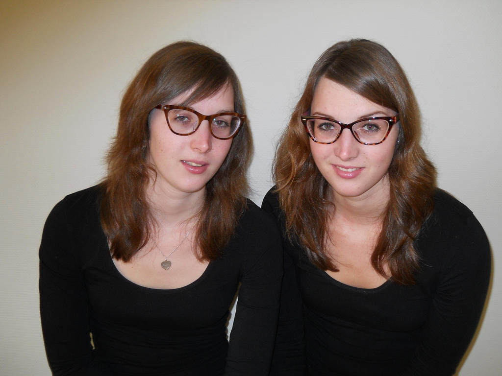 dating an identical twin