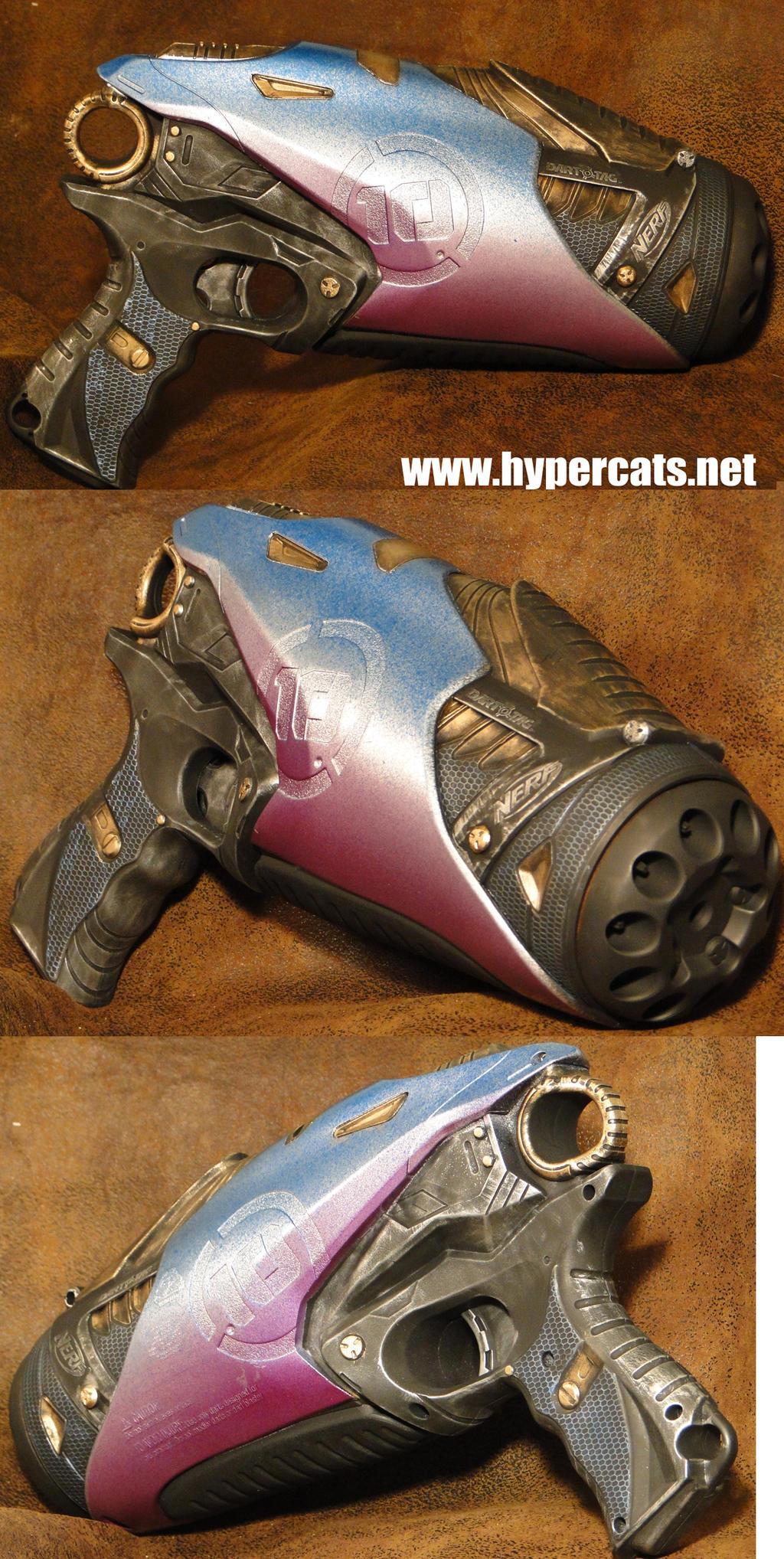 Strange Futuristic Sci-fi blaster by Hypercats